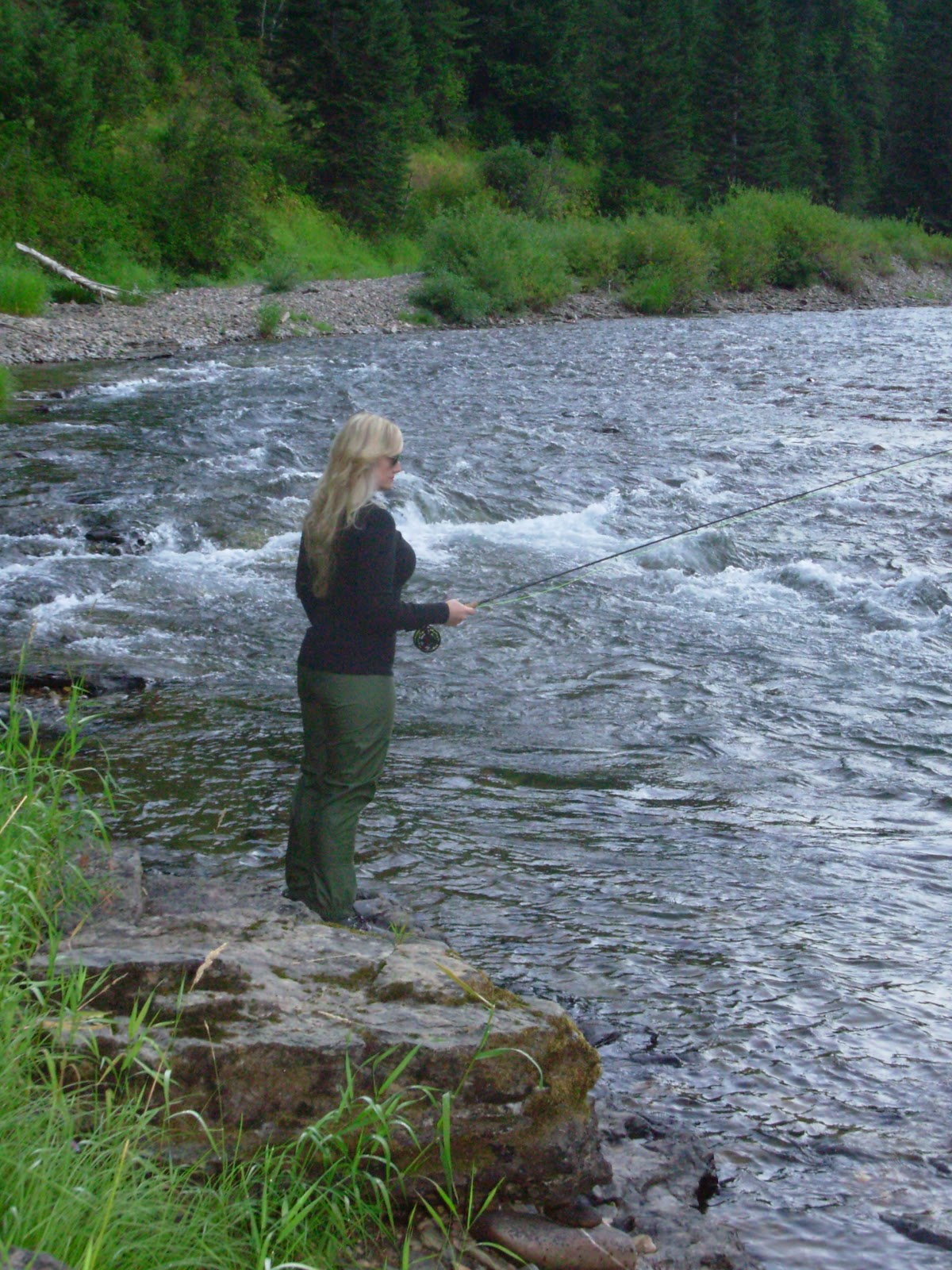 How to choose the perfect waders for fly fishing the maine for Fly fishing waders