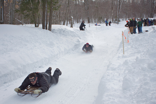 Runner Sledder Race