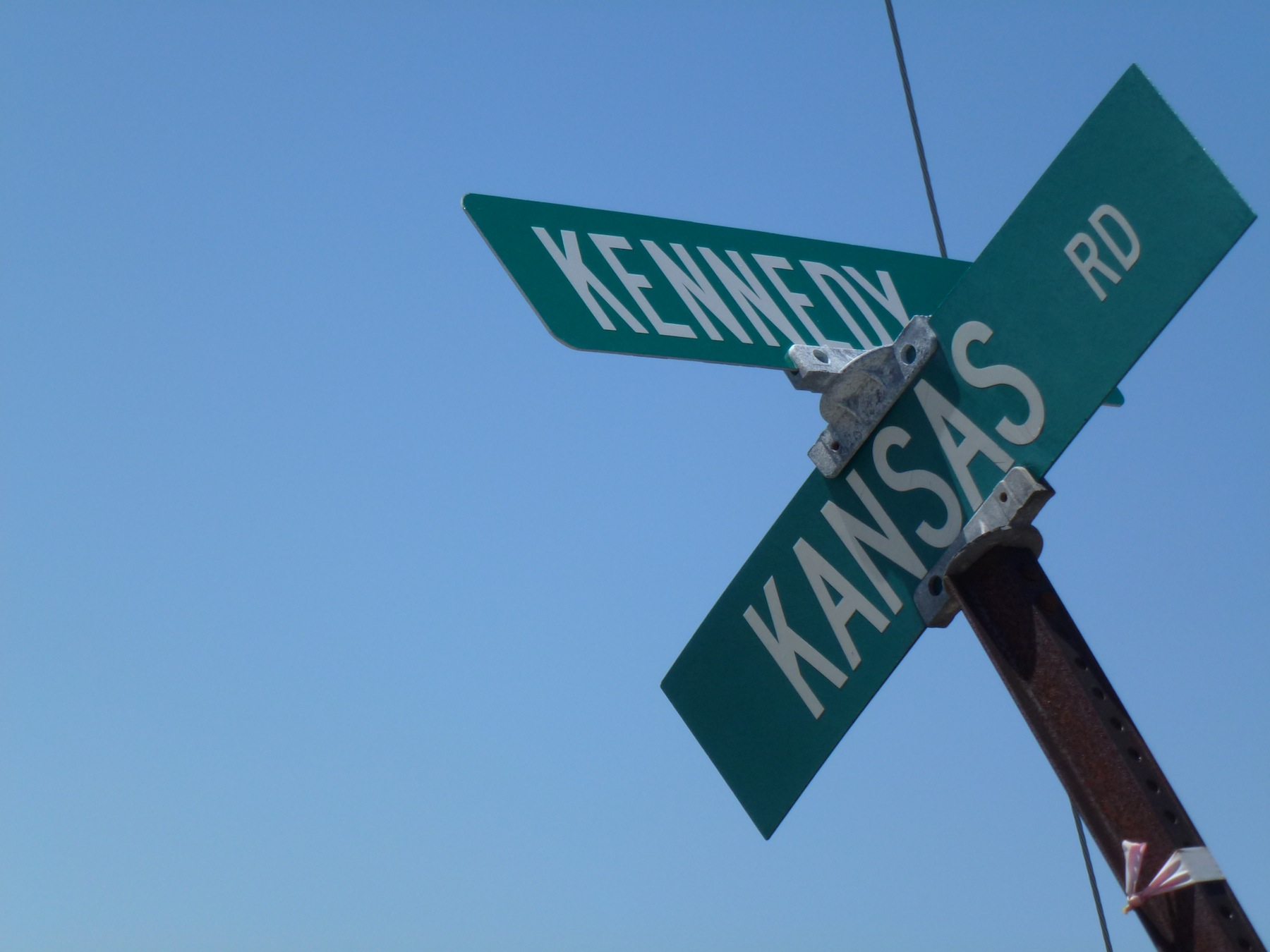 Sign post for Kansas Road