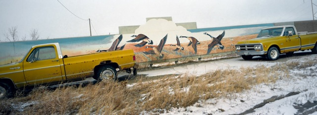 yellow_trucks_north_dakota_2002
